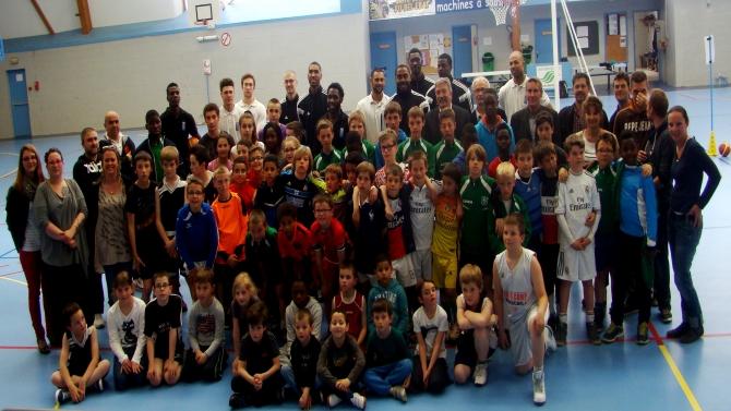 Ateliers Basket avec les joueurs de l'ALM