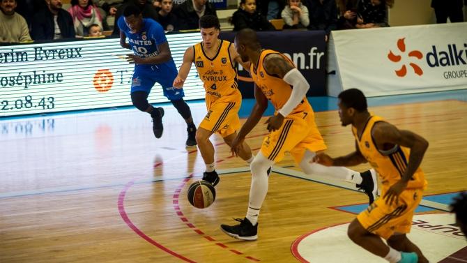 CDF 1/16 : ALM Evreux 79 - 90 HTV Basket